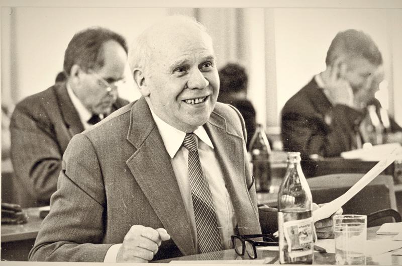 Ефим Степанович Русанов, дедушка, сын крестьянина, ставший доктором экономических наук
